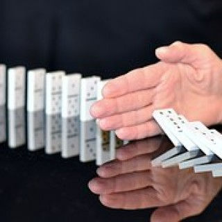 domino-665547__180